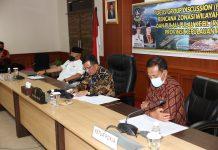 Arif saat menghadiri Focus Group Discussion (FGD) final RZWP3K di ruang rapat utama lantai 4 Kantor Gubernur Dompak, Tanjungpinang, Kamis (06/08/2020) petang.