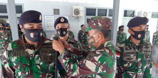 Komandan Lanal Ranai Kolonel Laut (P) Dofir mengukuhkan dan penyematan tanda badge Bintara Pembina Potensi Maritim (Babinpotmar) Lanal Ranai kepada seluruh personel Posal di jajaran Lanal Ranai (Suryakepri.com)