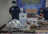 Bea Cukai Malaysia melakukan jumpa pers mengenai penyitaan miras dan rokok senilai lebih dari Rp57 miliar lebih. (Foto: Bernama)