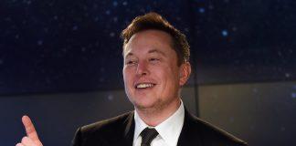 CEO Tesla Inc Elon Musk memiliki kekayaan bersih mencapai US $ 100 miliar atau sekitar Rp1.455 triliun. (Foto dari Digital Trend)