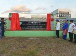 Gubernur Kepulauan Riau Isdianto di sela kegiatan kunjungan kerja ke Kecamatan Serasan meresmikan Puskesmas Serasan dan meninjau jalan yang rusak, Minggu (23/08/2020).