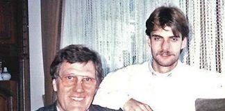 Jürgen Klopp muda bersama ayahnya, Norbert Klopp, yang memangku cucunya, Marc Klopp (putra Jurgen). Foto: Bild