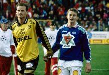 Ståle Solbakken (kiri - membela Lillestrøm) dan Ole Gunnar Solskjaer (membela Molde), ketika keduanya masih sebagai pemain sepakbola. Mereka adalah sesama punggawa timnas Norwegia yang pernah membawa negara itu sebagai yang terbaik kedua dunia. (Foto: Twitter)