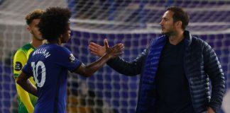 Willian (kiri dan manajer Chelsea Frank Lampard. Willian mencetak 63 gol untuk Chelsea tetapi tampaknya mendekati akhir masanya di Stamford Bridge. (Foto: Getty via talkSPORT)