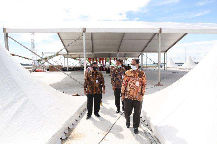 Sekretaris Daerah Kepri TS Arif Fadilah meninjau persiapan fasilitas Musabaqah Tilawatil Quran (MTQ) Provinsi Kepulauan Riau (Kepri) ke-8 tahun 2020 di Area Gurindam XII Tepi Laut, Tanjungpinang