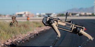 Prototipe Ghost Robotics Vision 60 beroperasi di Pangkalan Angkatan Udara Nellis, Nevada, pada 3 September 2020. (Foto dari CNN)