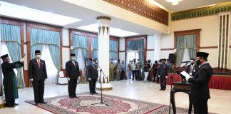 Sekda Prov. Kepri, Arif Fadillah mengambil sumpah dan melantik tiga orang Pejabat Pimpinan Tinggi Pratama di Lingkungan Pemprov Kepri bertempat di Gedung Daerah, Tanjungpinang, Senin (14/09/2020)