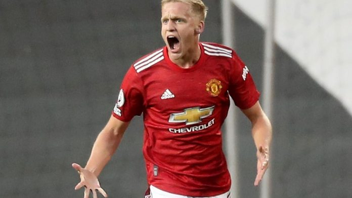 Donny van de Beek langsung mencetak gol pada debutnya di laga kompetitif bersama Manchester United. (Foto: Premierleague.com)