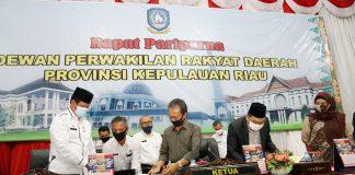 Ranperda tentang Perusahaan Air Minum Titra Kepri ini pun disetujui secara bersama oleh Gubernur dan DPRD menjadi Peraturan Daerah