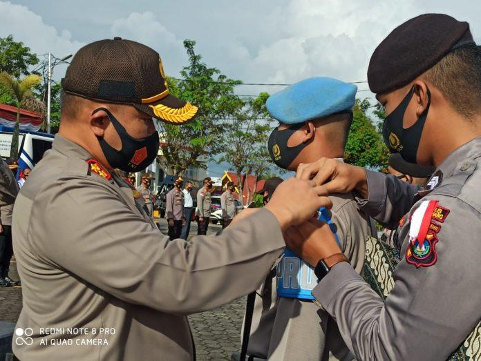 Kapolres Tanjungpinang AKBP Muhammad Iqbal saat memimpin apel gelar pasukan Operasi Mantap Praja Seligi 2020 (Suryakepri.com)