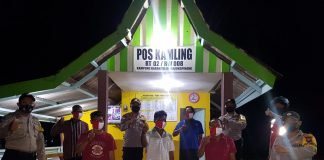Menjelang pelaksanaan Pemilihan Kepala Daerah (Pilkada) Provinsi Kepulauan Riau (Kepri), seluruh Bhabinkamtibmas Polsek Tanjungpinang Timur melaksanakan patroli dialogis untuk menyambangi Poskamling yang ada di wilayah Tanjungpinang Timur, Selasa (8/9/2020) malam.
