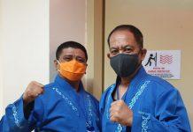 Pasangan AWe-Dalmasri saat mengikuti tes kesehatan di RSUD Raja Ahmad Tabib Tanjungpinang, AWe (kanan) dan Dalmasri (Kiri) (Suryakepri.com/ist)