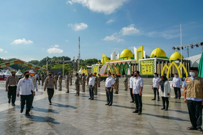 Sekretaris Daerah Pemprov Kepri Arif Fadilah memimpin Apel Gelar Pasukan Pengamanan Pelaksanaan Musabaqah Tilawatil Quran (MTQ) ke VIII tingkat Provinsi Kepri