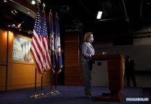 Ketua DPR AS Nancy Pelosi melakukan konferensi pers mingguannya di Capitol Hill, Washington DC, Amerika Serikat, Kamis 29 Oktober 2020. Aktivitas ekonomi AS pada kuartal ketiga tumbuh pada tingkat tahunan sebesar 33,1 persen setelah kontraksi tajam pada kuartal sebelumnya(Foto oleh Ting Shen / Xinhua)