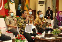Penjabat Sementara (Pjs) Gubernur Kepri, Bahtiar Baharuddin memimpin Rapat Koordinasi Aksi Gerakan Sejuta Masker dalam mendukung Pilkada Sehat di Provinsi Kepulauan Riau