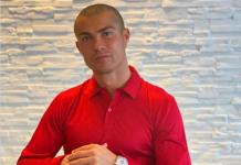 Cristiano Ronaldo pamerkan fotonya dengan kondisi kepala botak. (Foto twitter @Cristiano Ronaldo)