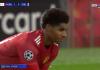 Marcus Rashford usai mencetak gol pertamanya ke gawang Leipzig, menunggu keputusan wasit yang sedang melakukan pengecekan VAR. (Tangkapan layar BeinSport)