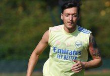 Gelandang Arsenal Mesut Ozil. Pemain Jerman berusia 31 tahun ini tidak lagi digunakan Mikel Arteta dan akan menikmati gaji buta hingga akhir musim. (Foto dari Talk Sports)
