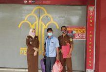 Terdakwa Januar saat dieksekusi ke Lapas Tanjungpinang (Suryakepri.com/ist)
