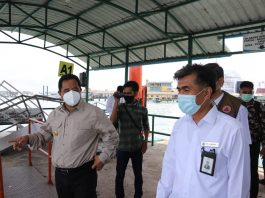 Pjs. Gubernur Kepulauan Riau H. Bahtiar melakukan Peninjauan Sarana Prasarana dan Fasilitas Protokol Kesehatan dalam Rangka Pencegahan dan Penanganan Covid-19 di Pelabuhan Internasional Sri Bintan Pura, Tanjungpinang,