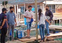 Tim Inafis Polres Bintan saat mendatangi TKP keramba ikan milik Aan di Desa Air Glubi, Kecamatan Bintan Pesisir, Kabupaten Bintan (Suryakepri.com/ist)