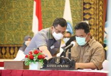 Pjs Gubernur Kepri, Bahtiar Baharuddin bersama Sekda Kepri Arif Fadillah
