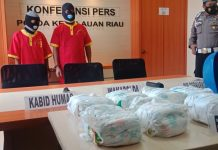 Bungkus Sabu 8,3 Kg Gunakan Pemper Anak, Dua Pelaku Diamankan Sat Narkoba Polresta Barelang di Perairan Nongsa