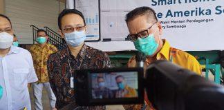 Direktur Operasional PT Sat Nusapersada, Bidin Yusuf sat memberikan keterangan terkait home smart water yang diproduksi perusahaan tersebut untuk dikirim ke Amerika Serikat. (Foto: Suryakepri.com/Fernando)