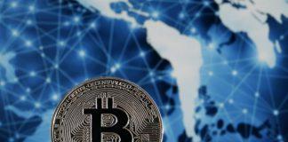 Harga cryptocurrency Bitcoin sempat merangsek hingga $ 16.150 atau sekitar Rp 229,6 juta pada Kamis (12/11/2020), tetapi telah terkonsolidasi dan kini bertahan di sekitar $ 15.900 (Rp226 juta). (Foto dari Forbes)