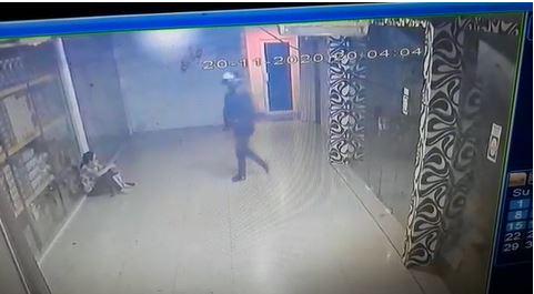 Rekamana CCTV, Jambret di Mall Avava Batam.