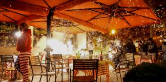Pendukung Donald Trump peserta aksi MILLION MAGA MARCH diserang menggunakan mercon saat sedang makan di sebuah restoran, hanya beberapa blok dari Gedung Putih.(Foto dari Fox News)