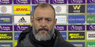 Manajer Wolves Nuno Espirito Santo saat wawancara dengan Sky Sports usai pertandingan melawan Leicester City di King Power Stadium, Minggu (8/11/2020). Wolves takluk 1-0 akibat gol penalti kontroversial yang dituntaskan oleh Jamie Vardy. (Tangkapan layar Sky Sports)
