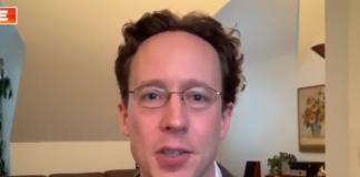 Alex Halderman, profesor ilmu komputer dan teknik di University of Michigan telah memperingatkan bahwa mesin pemungutan suara di AS mudah dimanipulasi oleh peretas. (Tangkapan layar Fox News)