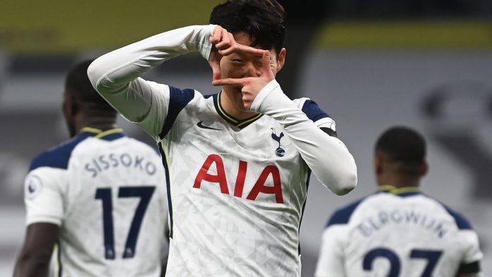 Son Heung-min mencetak gol pembuka untuk Tottenham Hotspur pada menit ke-5. Spurs menang 2-0 atas Man City untuk naik ke puncak klasemen sementara Liga Inggris 2020/21. (Foto dari Sky Sports)