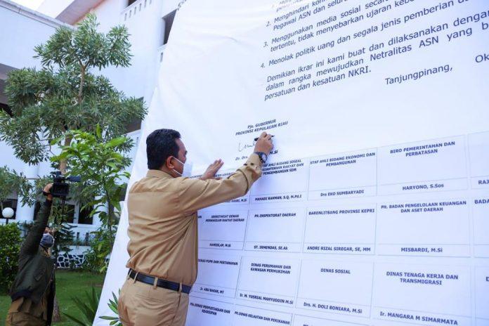 Pjs Gubernur Kepri, Bahtiar Baharuddin