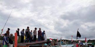 Nelayan Kecamatan Kepulauan Posek saat deklarasi penolakan penambangan timah laut (Suryakepri.com)