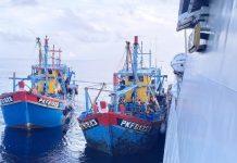 Kapal ikan berbendera Malaysia saat diamankan TNI AL (Suryakapri.com/ist)