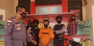 Kapolsek Tanjungpinang Timur AKP Firuddin saat merilis penangkapan pelaku (Suryakepri.com)