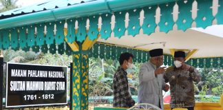Pjs Gubernur Kepri, Bahtiar Baharuddin, ziarah ke Makam Pahlawan Nasional Sultan Mahmud Riayat Syah