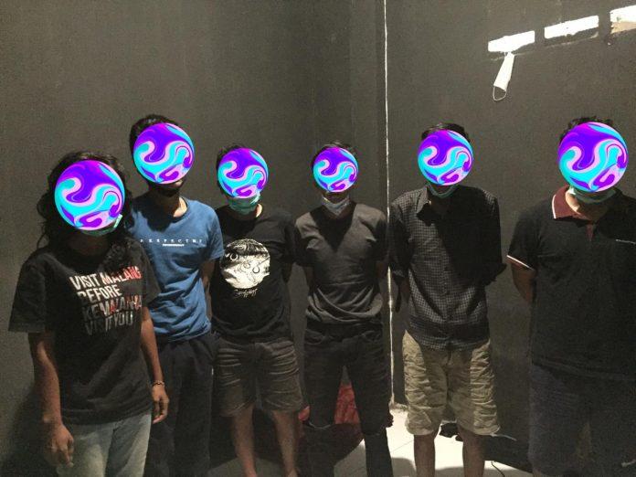 Para pelaku saat diamankan polisi (Suryakepri.com/ist)