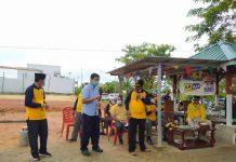 Ketua PSMTI Kabupaten Karimun Eddy Viryadharma memberikan kata sambutan dalam acara kampanye dialogis pasangan ARAH di perumahan Balai Garden, Senin (23/11/2020). Foto Suryakepri.com/IST
