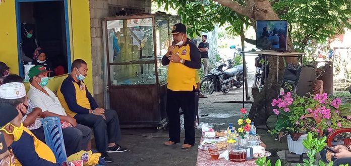 Cabup Karimun Aunur Rafiq menggelar kampanye dialogis di RT 02 RW 02 Kelurahan Tebing, Kecamatan Tebing, Selasa (24/11/2020) sore. Foto Suryakepri.com/Yahya
