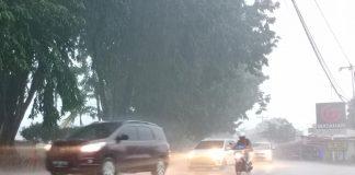 Ilustrasi hujan lebat disertai petir.(suryakepri.com