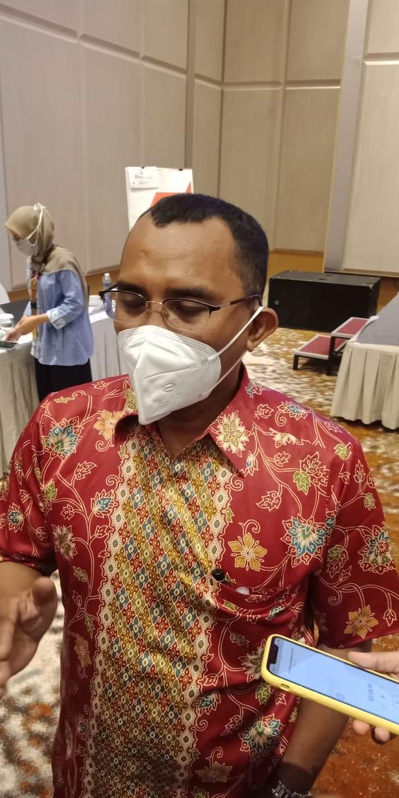 Mangihut Rajagukguk Komisioner Bawaslu Batam.(suryakepri.com/romi)