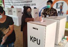Simulasi pencoblosan Pilkada Serentak oleh KPU Karimun, Sabtu (21/11/2020). Foto Suryakepri.com/Rachta Yahya