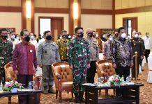 Rapat Koordinasi Pemantapan Persiapan Pilkada Serentak 2020 dan Percepatan Penanganan Covid-19 se-Provinsi Kepri di Aula Wan Seri Beni, Dompak, Tanjungpinang, Rabu (2/12).