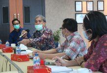 Muhammad Yansuri, Ketua Komisi III DPRD Provinsi Sumatera Selatan saat berdiskusi dengan manajemen ATB Batam