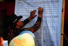 Komisi Pemilihan Umum (KPU) Batam melanjutkan tahapan penghitungan suara di tingkat kecamatan,