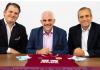 ALK Capital Partners Stuart Hunt, Alan Pace dan Mike Smith. ALK Capital telah mengakuisisi 65 persen saham klub Liga Inggris Burnley. (Foto: burnleyfootballclub.com)