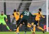 Tembakan Tanguy Ndombele's dari luar kotak penalti menembus gawang Rui Patricio membuat Spurs memimpin 1-0 pada babak pertama di Molineux Stadium, Minggu (27/12/2020) atau Senin dinihari WIB. (Foto: Premierleague.com)